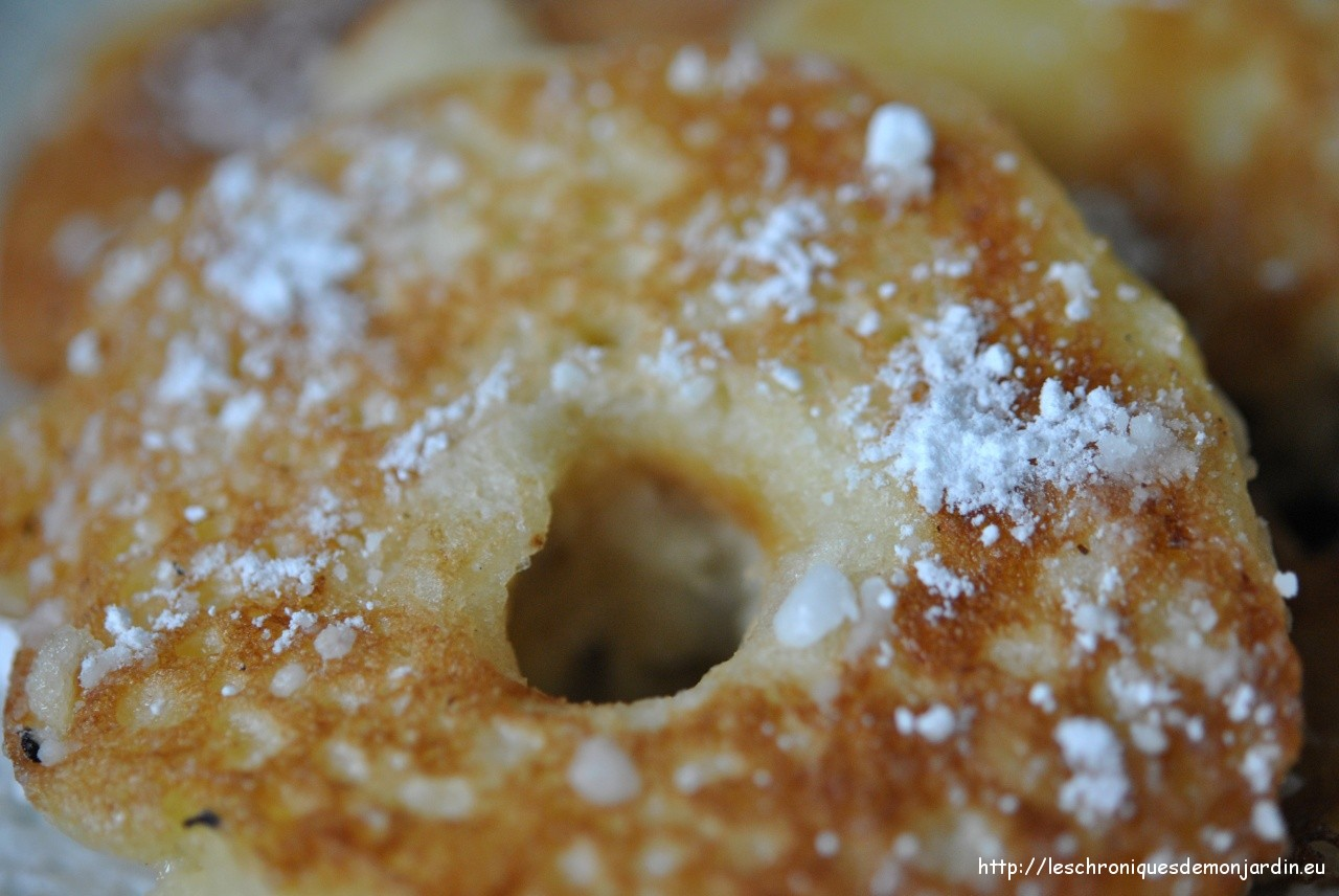 Gourmandises: beignets aux pommes