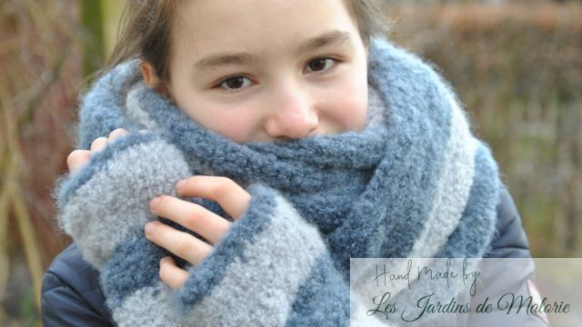 Snood et mitaines 'Steppe'